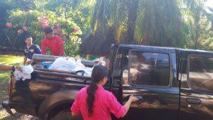 truck inladen voor Corral de Piedra